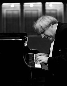 Sokolov de nuevo en la Filarmónica. Foto: © Michel Neumeister, Neumeister Photographie (Alemania)