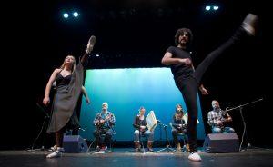 Actuación de Hala Dzipo. Foto: © Teatro Barakaldo Antzokia