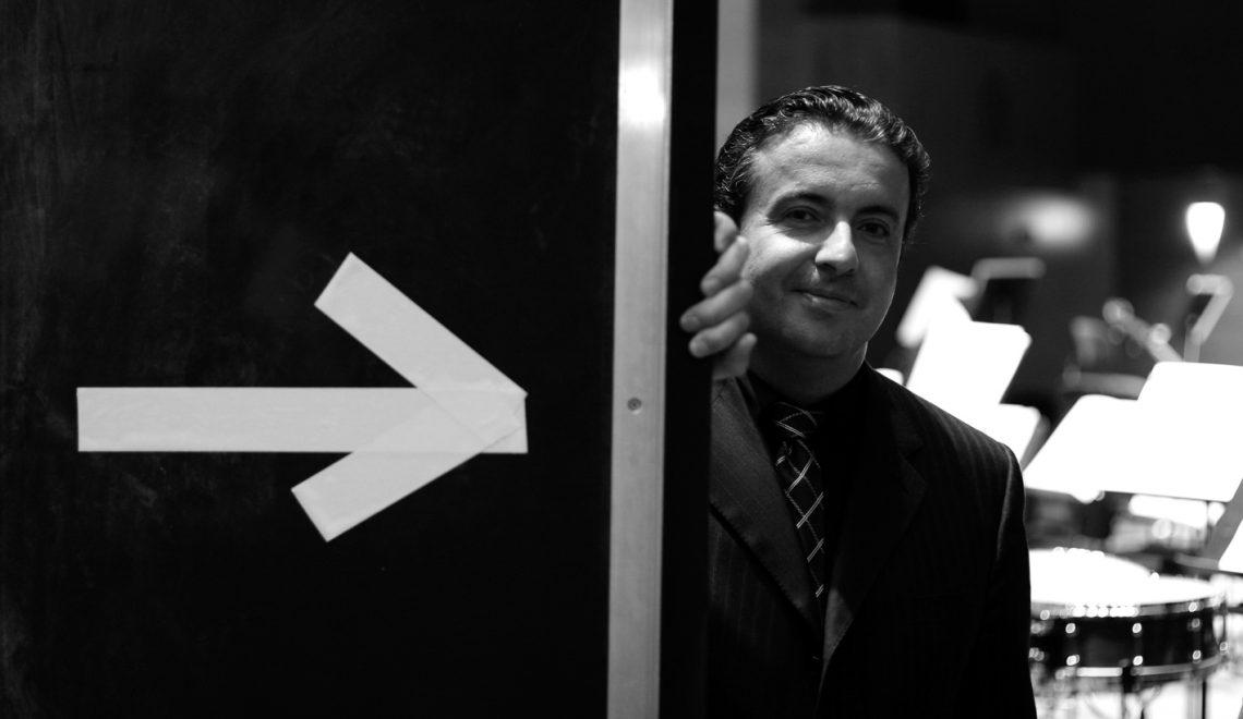 Juanjo Mena se sube al podio de la Filarmónica de Berlín